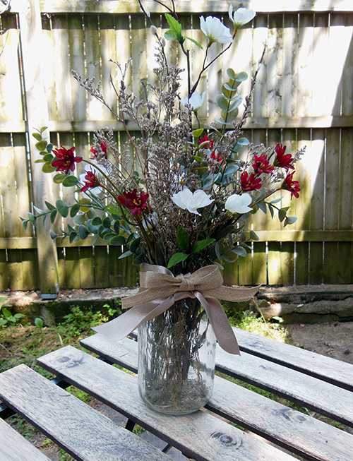 centerpiece from leftover boutonniere elements